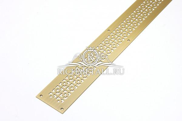 Решетка из шлифованной латуни с узором соединенные квадраты