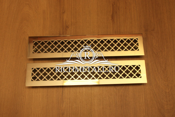 Полированные латунные решетки с зеркальным финишем и узором классик