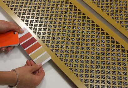 Желтые решетки с узором классик