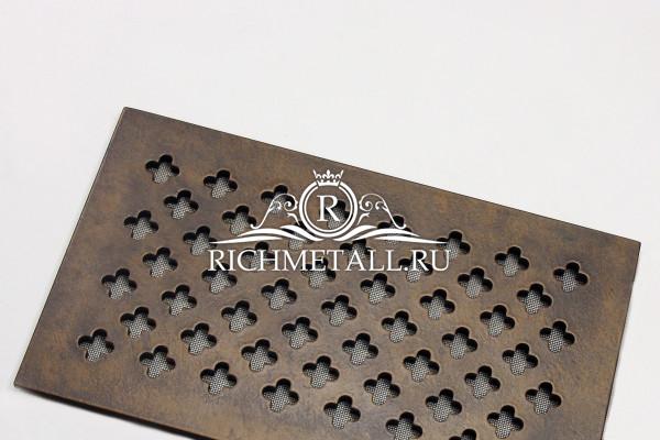 Алюминиевая решетка с декором под состаренную бронзу с узором крестоцвет