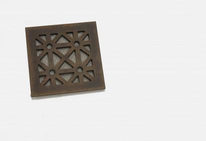 Квадратная бронзовая решетка