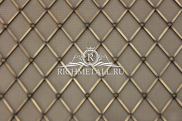 Декоративное полотно в стиле английского ампира из латуни со старением