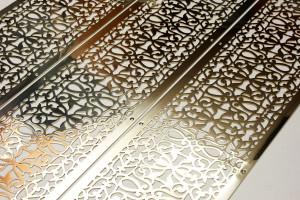 Золото с растительным орнаментом