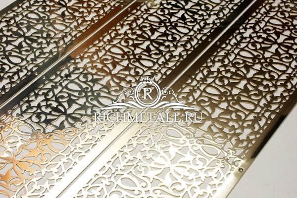 Золотые решетки с растительным орнаментом